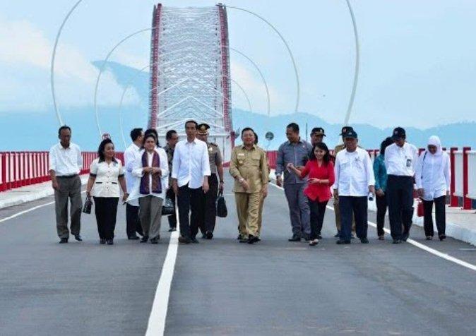 Jembatan Tayan Kapuas